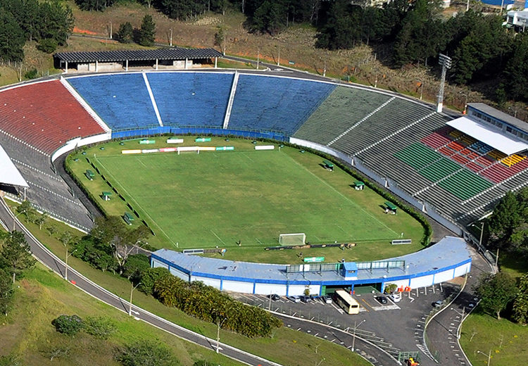 """Estádio Municipal """"Radialista Mário Helênio"""" recebe dois jogos neste final de semana"""