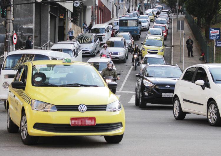 Mais de 70 mil motoristas possuem pendência com o Detran em Juiz de Fora