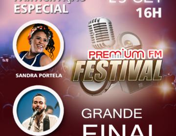 Sandra Portella e Thiago Miranda no palco da Final do Premium FM Festival