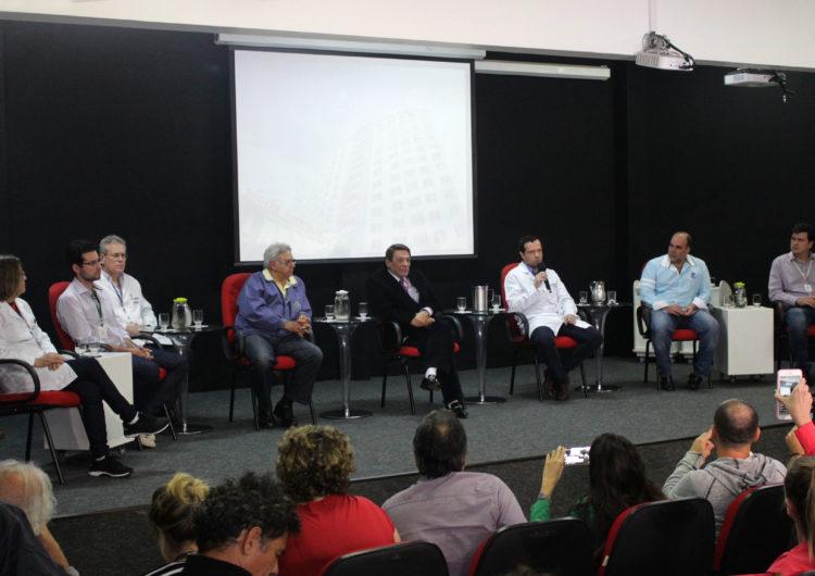Bolsonaro passou por cirurgia e quadro é estável