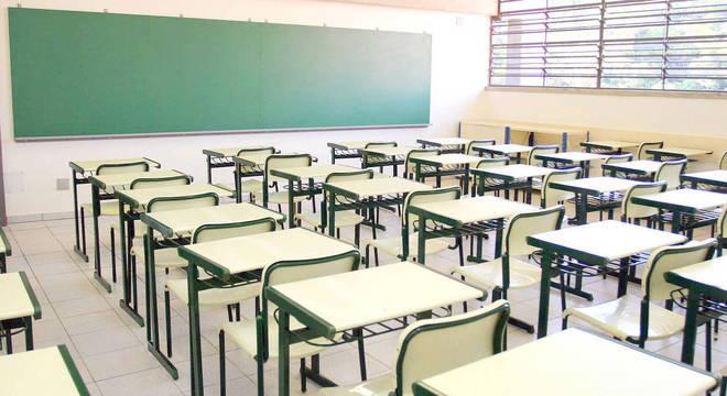 Polícia investiga professor suspeito de assediar alunas em Juiz de Fora