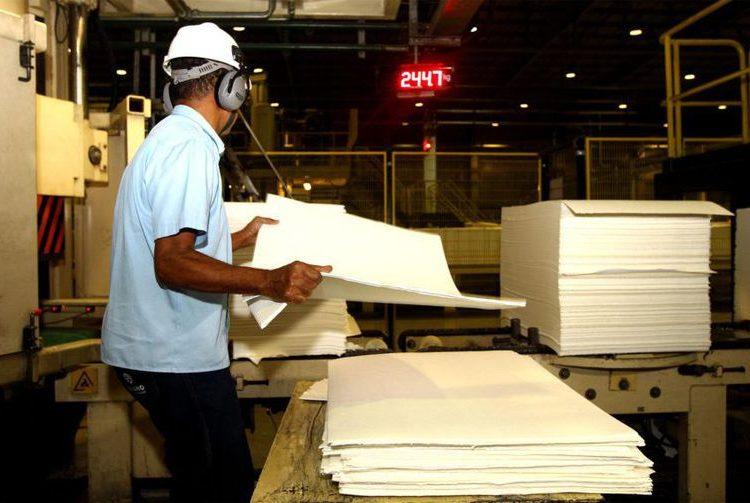 Confiança da indústria cresce 0,9 ponto, constata prévia da FGV