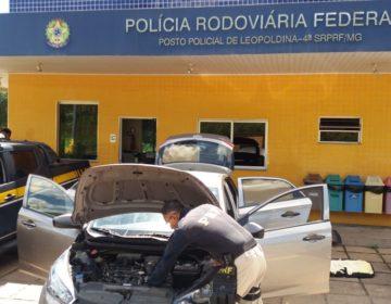 PRF recupera veículo roubado suspeito de ser utilizado no tráfico de drogas