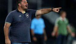Botafogo anuncia contratação de técnico que estava no time sub-20 do Corinthians