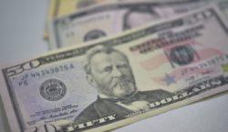 Bolsa opera em baixa, mas dólar está em alta cotado…