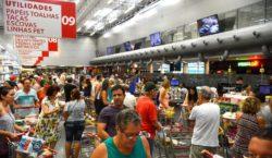 Confiança do Consumidor cai 2,9 pontos em maio