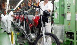 PIB recua 0,9% no trimestre encerrado em abril, diz FGV