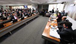 CCJ derruba decreto que flexibiliza porte de arma; matéria segue…
