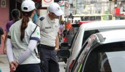 Settra autua 14 motoristas na região central