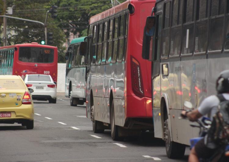 Ônibus de Juiz de Fora terão pontos de energia para carregar celulares