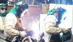 Produção da indústria sobe 9,6 pontos, acima da média histórica
