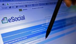 Contratações e demissões passarão a ser comunicadas pelo eSocial