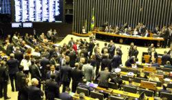 Câmara conclui votação de PEC que cria polícias penais