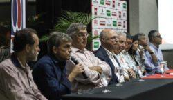Baeta apresenta elenco e comissão técnica para 2020