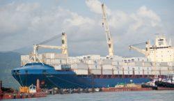 Com nova revisão da balança comercial, exportações sobem US$ 6,4…