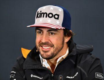 Ex-bicampeão da F1, Fernando Alonso doa 300 mil máscaras para o combate ao Covid-19