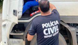 Em ação conjunta, PRF e Civil distribuem alimentos e produtos…