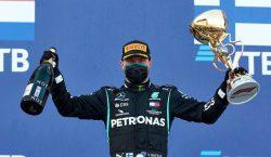 Valtteri Bottas aproveita punição de Lewis Hamilton e vence na…