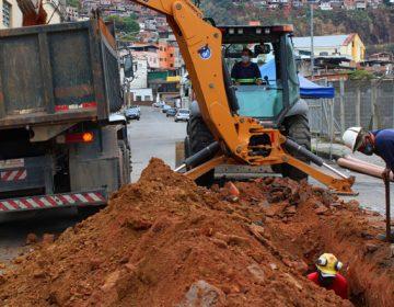 Bairro Vila Ideal recebe mais 240 metros de novas redes de esgoto