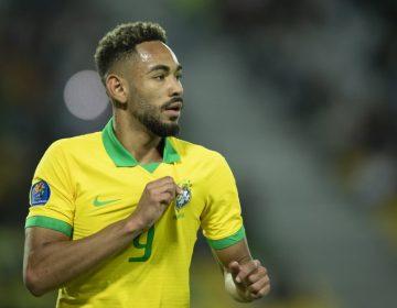 Atacante Matheus Cunha é convocado para a Seleção Brasileira, após corte de Gabriel Jesus
