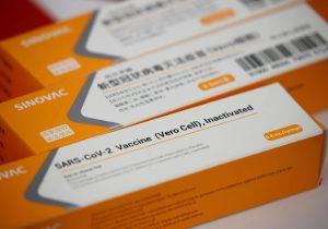 SP cria mais seis centros de pesquisa para testar vacina contra covid