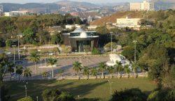 Comitê recomenda interdição do estacionamento no anel viário do campus…