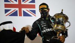 Lewis Hamilton testa positivo para Covid-19 e não corre na…