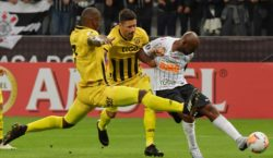 Corinthians vence o Guaraní-PAR, mas se despede da Libertadores