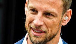 Campeão do mundo em 2009, ex-piloto Jenson Button retorna à…