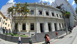 Câmara Municipal é homenageada pela Associação das Academias de Juiz…