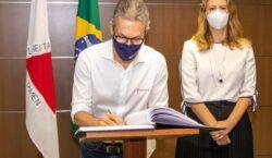 Governador empossa Luísa Barreto como nova secretária de Planejamento e…