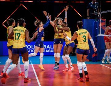 Brasil vence Turquia, fecha fase classificatória em segundo e pega o Japão na semifinal