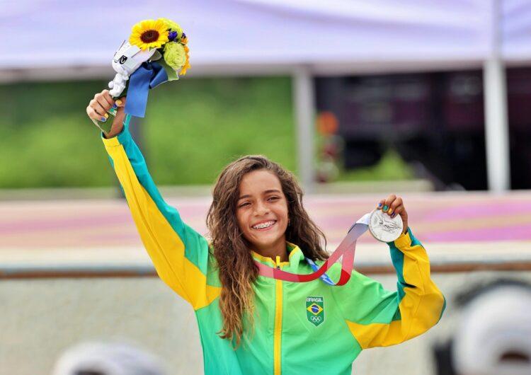 Conto de fadas à brasileira: Rayssa Leal é prata no skate street