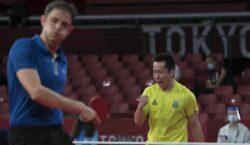 Tóquio: Gustavo Tsuboi avança à terceira rodada do tênis de mesa