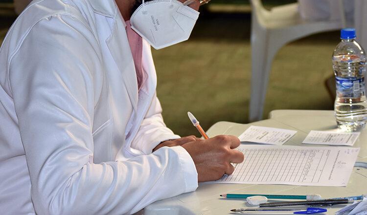 Secretaria de Saúde amplia 3ª dose de reforço dos trabalhadores da saúde