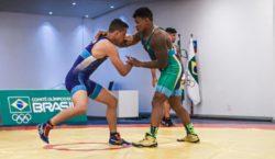 Lutadores encerram preparação no CT do Time Brasil e iniciam…