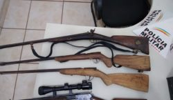 Polícia Militar apreende espingardas e carabina em Ervália